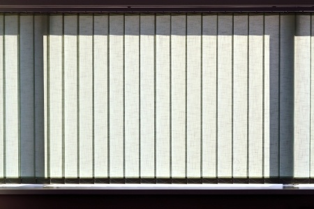 Vertical Blinds For Your Sunroom To Control The Sunlight